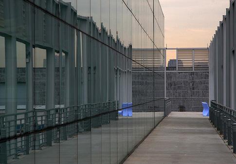 Без стекла в современнм мире уже не обойтись нигде